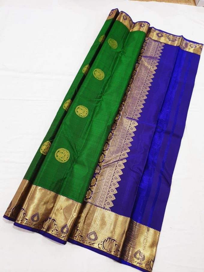 Kanjivaram silk saree with small border